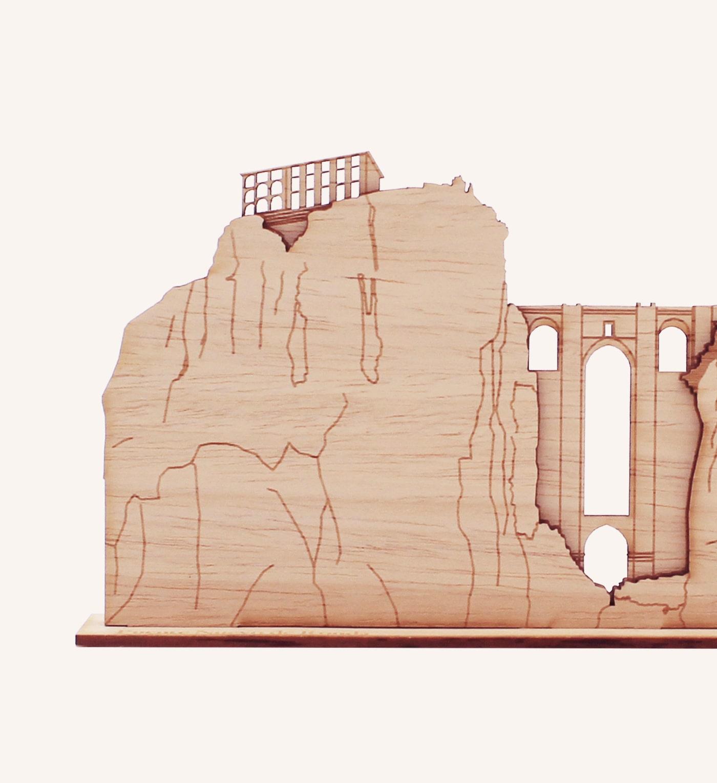 Perfil de madera Puente de Ronda